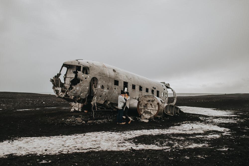 sesja-na-islandii-Solheimasandur_sesja_slubna