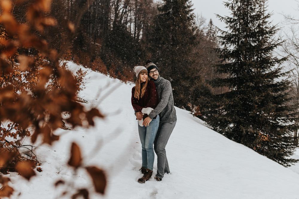 Zimowa_sesja_narzeczenska_w_gorach_tatrach