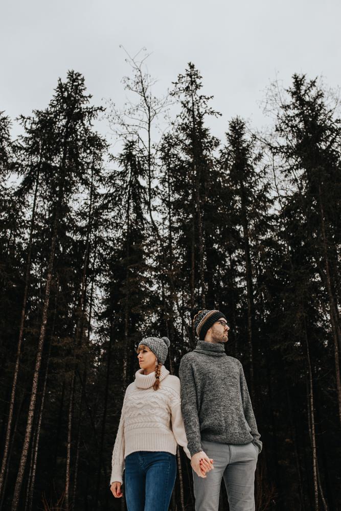 Zimowa_sesja_narzeczenska_w_gorach_morskie_oko