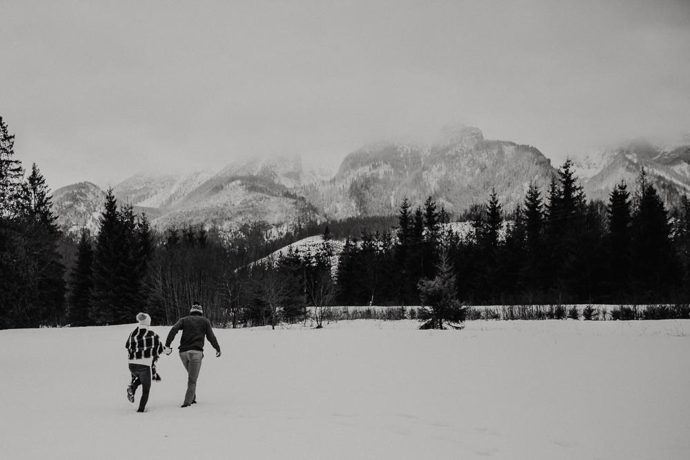 Zimowa_sesja_narzeczenska_w_gorach_zakopane