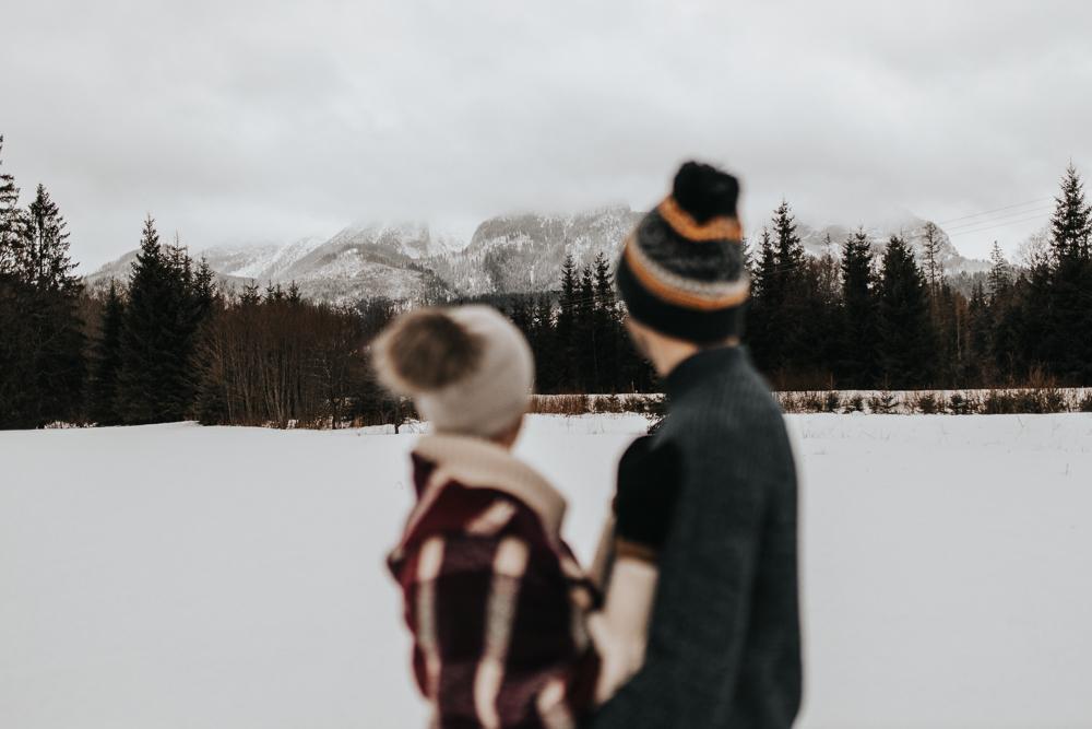 Zimowa_sesja_narzeczenska_w_gorach_fotograf